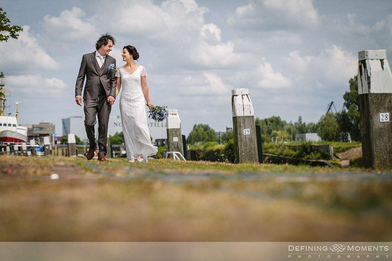 bruidsfotografie trouwfotografen duo rotterdam vertrekhal trouwreportage bruidsreportage trouwfoto bruidsfoto bruidsfotografie bruid bruidegom trouwlocatie bruiloft botasauto